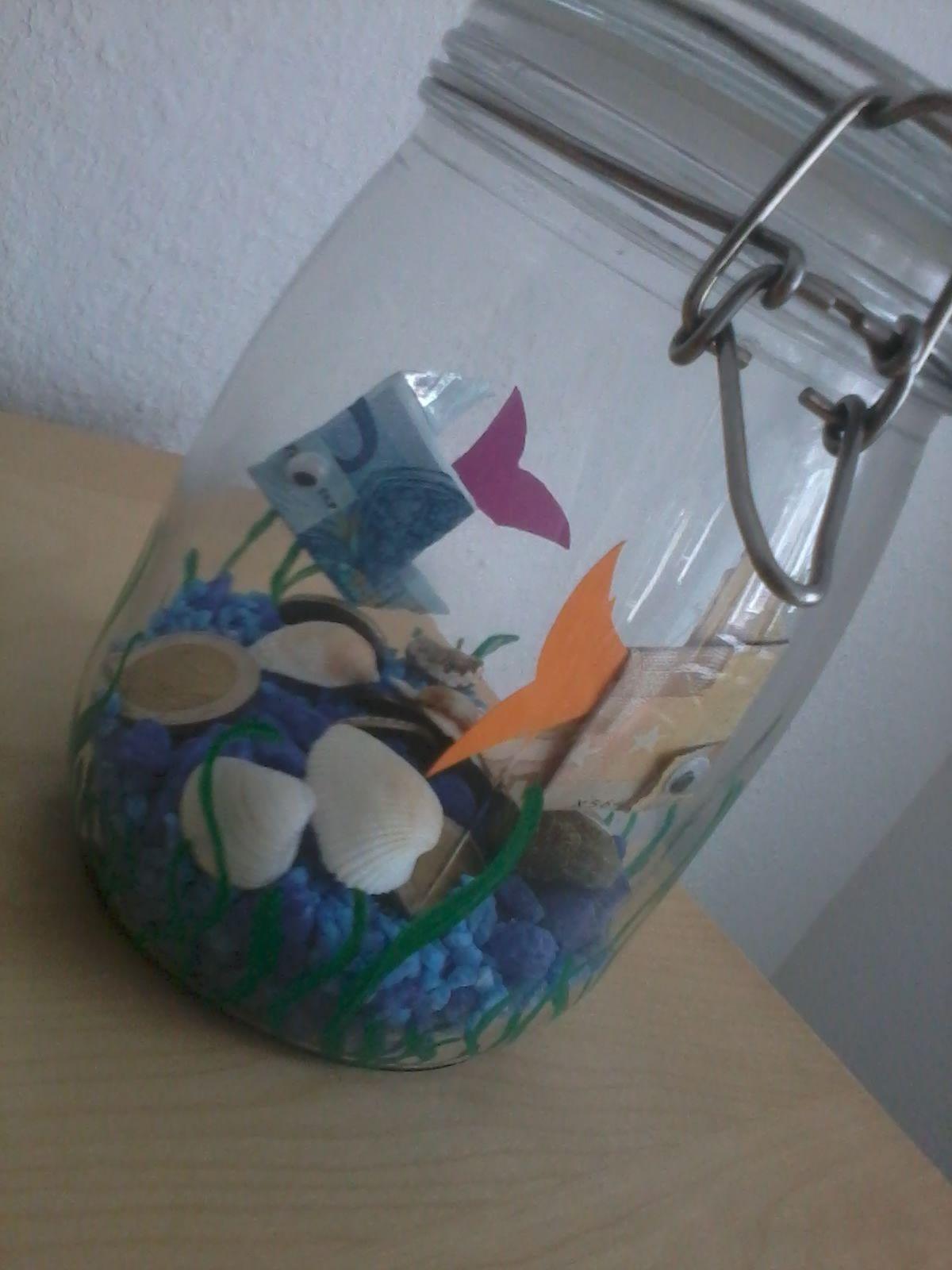 fisch im glas geschenke geld pinterest fische glas und geldgeschenke. Black Bedroom Furniture Sets. Home Design Ideas