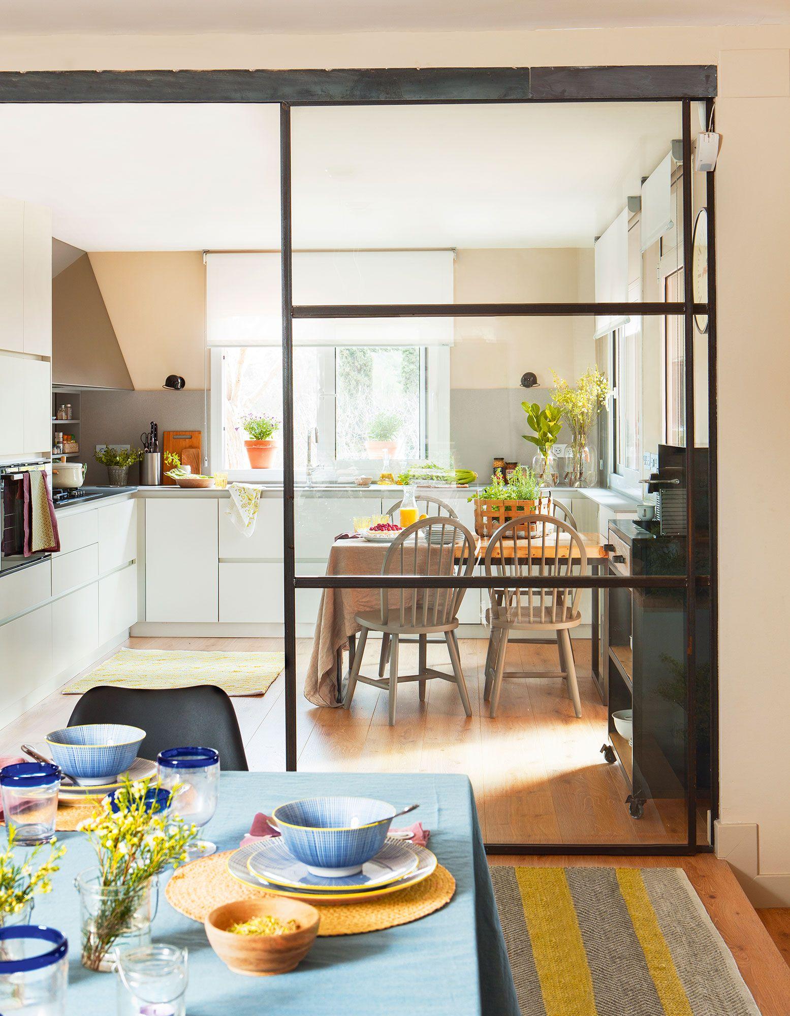 Una Pared De Cristal Decoracion De Cocina Cocinas Abiertas Decoracion De Cocina Moderna