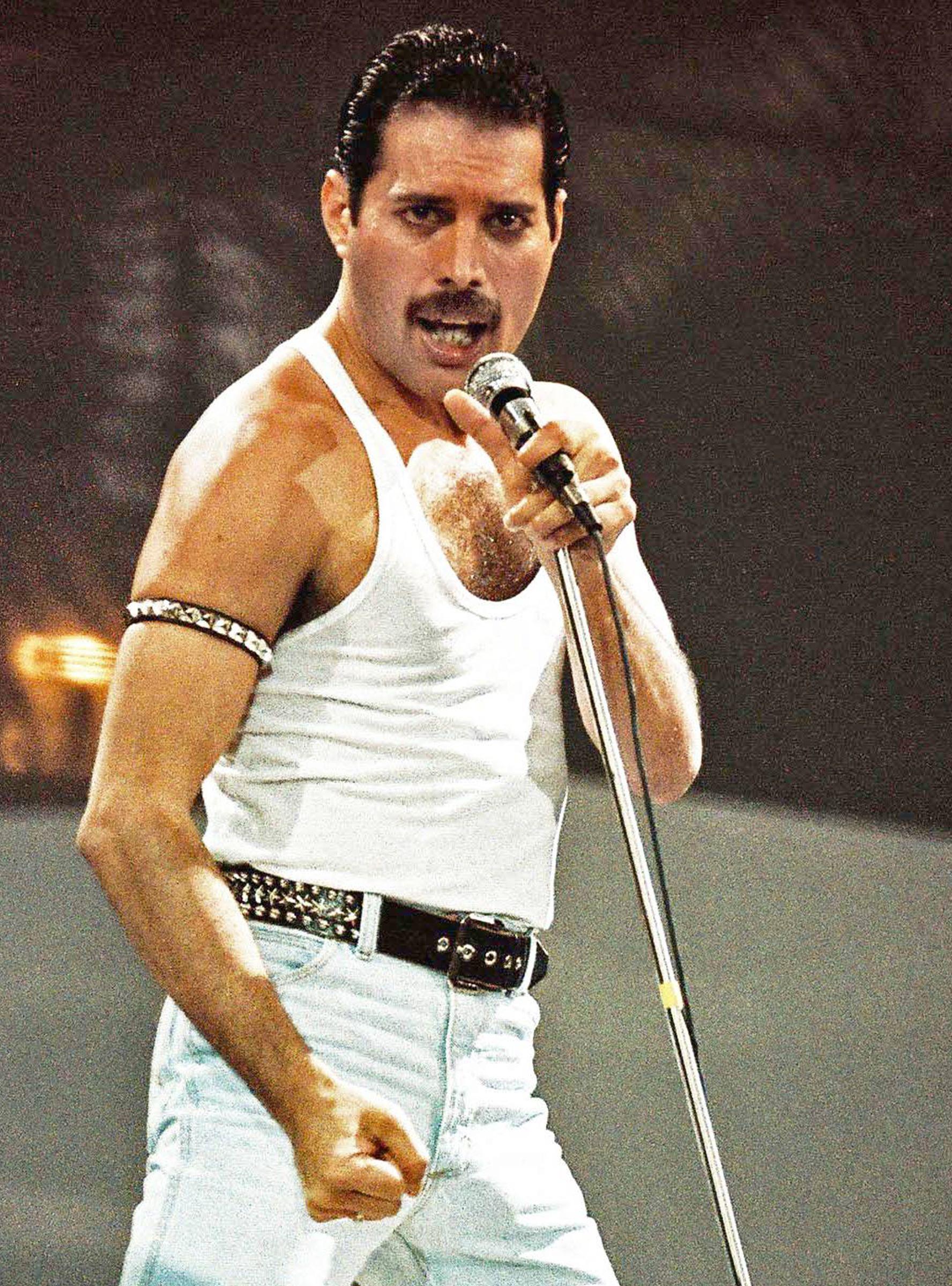 Freddie Mercury 33 British Singer Poster Signed Photo Queen Music Star on Stage