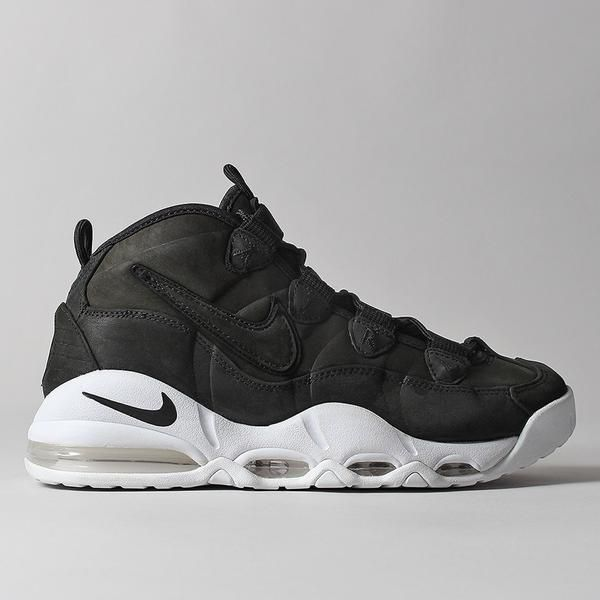 Featuring a 3/4-height profile and full-length Air-Sole unit
