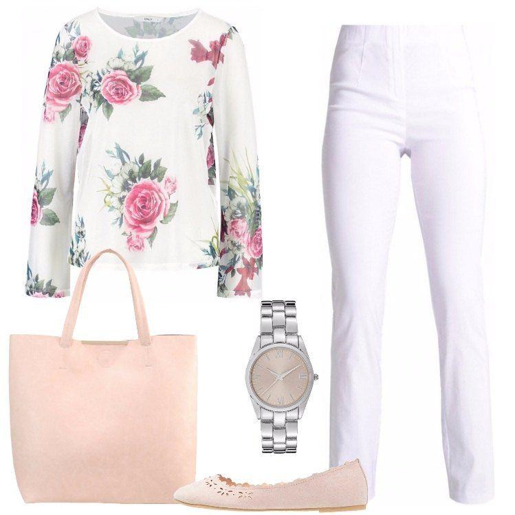 Questo outfit composto da una maglia bianca a fiori, un pantalone bianco e un paio di ballerine color nudo, è perfetto sia per una giornata in ufficio, sia per una passeggiata in centro.