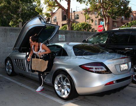 Kim Kardashian With Her Boyfriend Kanye West S 500 000 Silver Mercedes Mclaren Celebrity Cars Car Expensive Cars