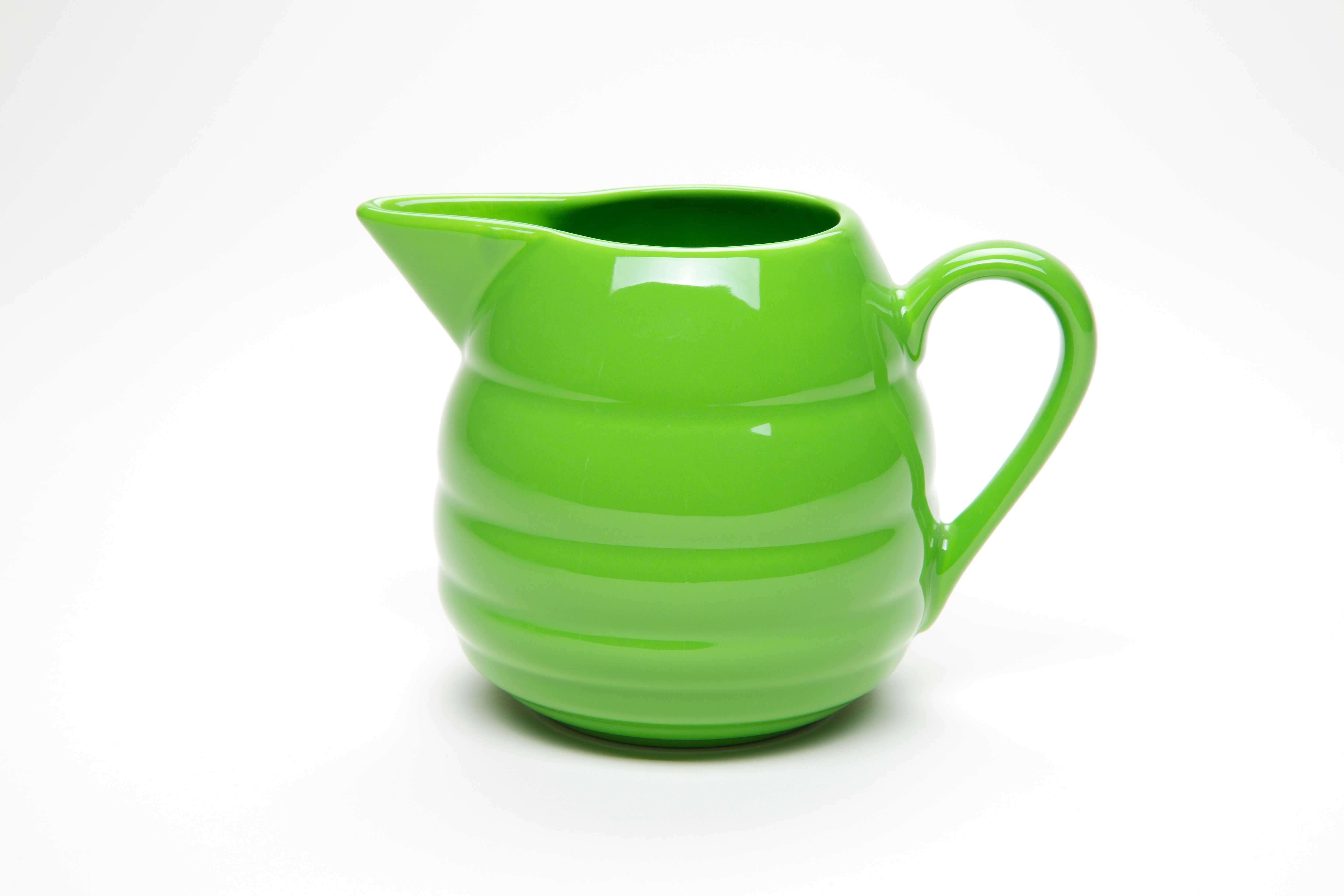 Bauer Pottery Saturn Pitcher In Parrot Green Yowza Www Bauerpottery Com Bauer Pottery Pottery Russel Wright