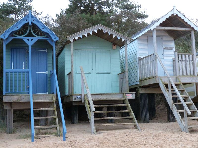 P1110053 bleu pinterest cabanes cabane de plage et for Cabine de plage pour jardin