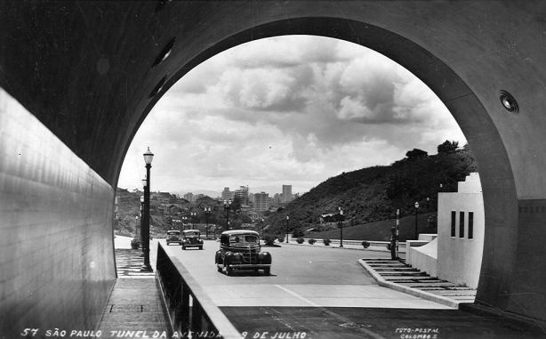 Tunel 9 de julho, 1946, na direção do centro
