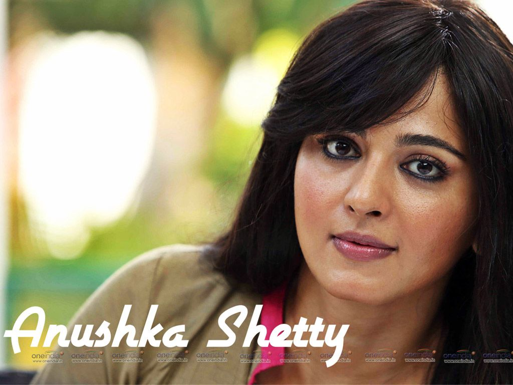 new wallpapers of south indian actress anushka shetty college girls