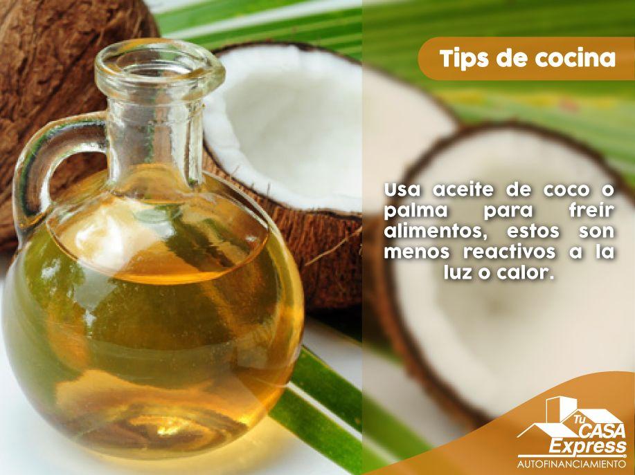 Si Usas Aceite De Canola O Maíz Para Freír Tus Alimentos Detente Estas Opciones Son Menos Tóxic Coconut Health Benefits Health Coconut Oil Coconut Oil Hair