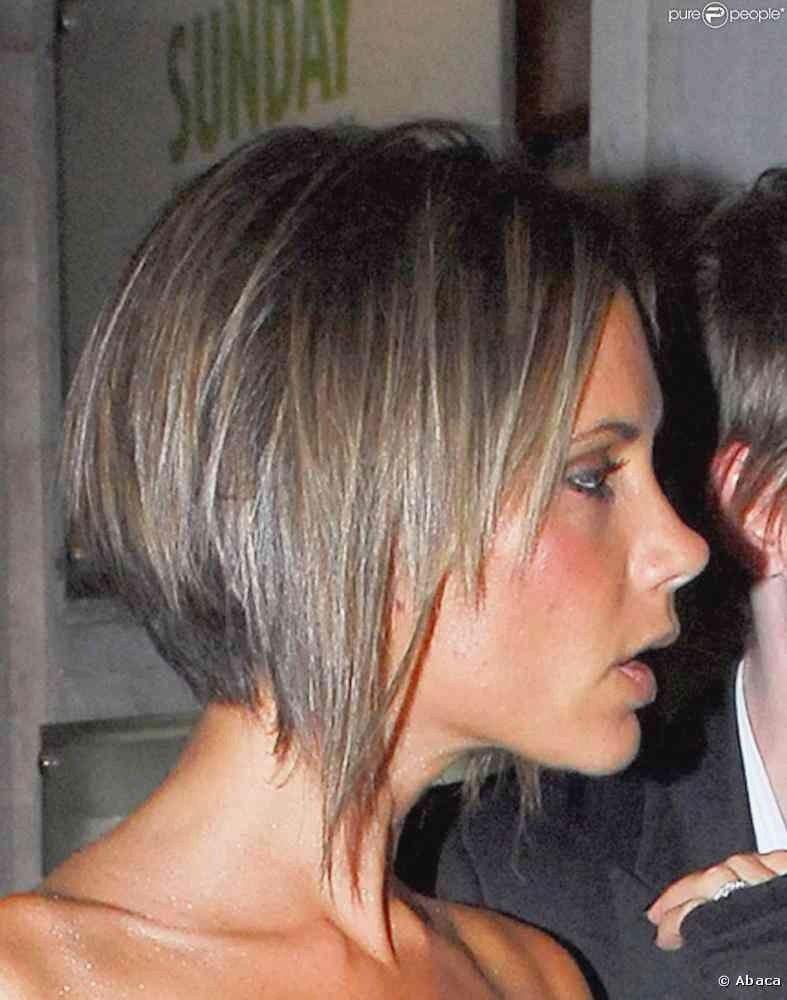 Carre Court Plongeant Kitchenaid ...   Victoria beckham short hair, Victoria beckham hair ...