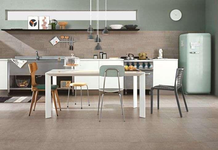 Abbinare il pavimento al rivestimento della cucina - Cucina vintage e pavimento in gres