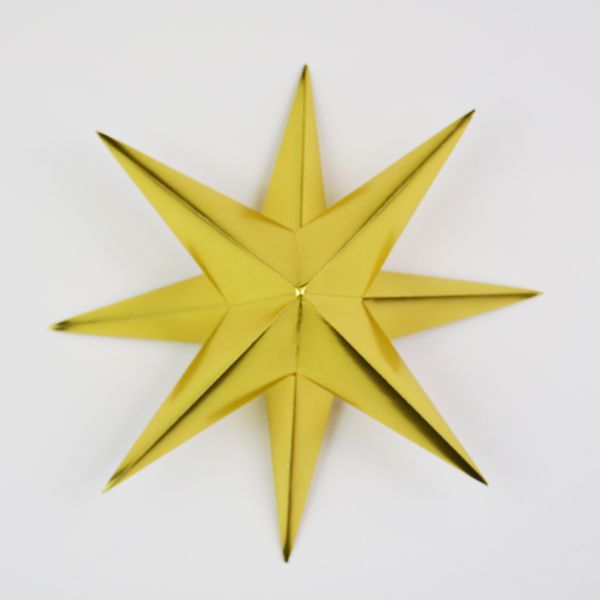 Christmas Decorations Orgiami Star  A photo tutorial for making these quick, yet impressive looking ornaments.