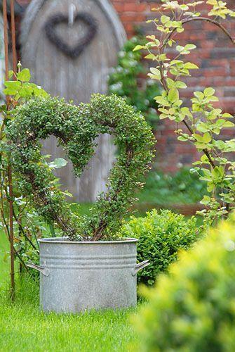 Most Amazing Vintage Garden Decorations 30 Most Amazing Vintage Garden Decorations30 Most Amazing Vintage Garden Decorations