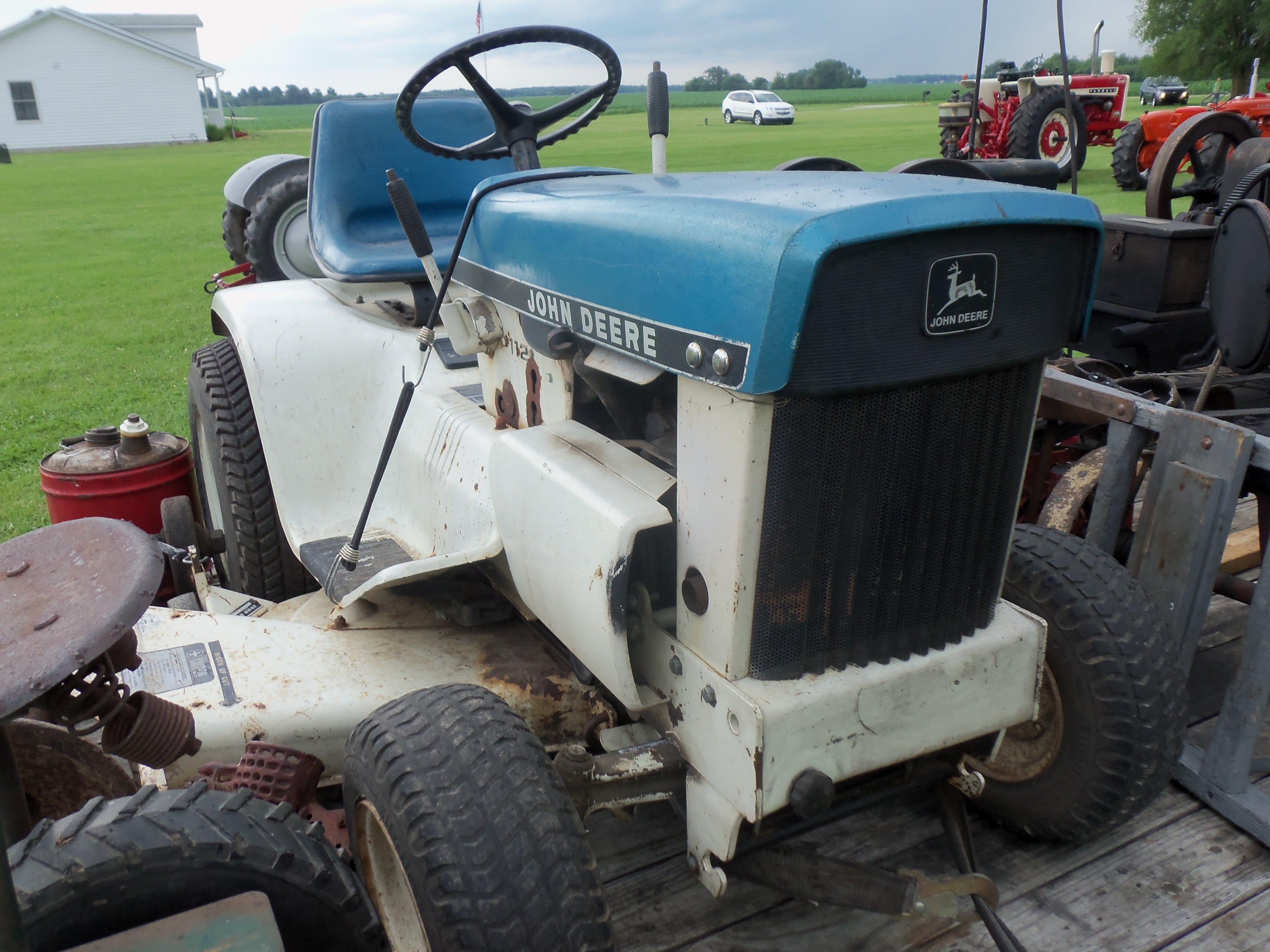 John Deere 112 Patio Lawn U0026 Garden Tractor
