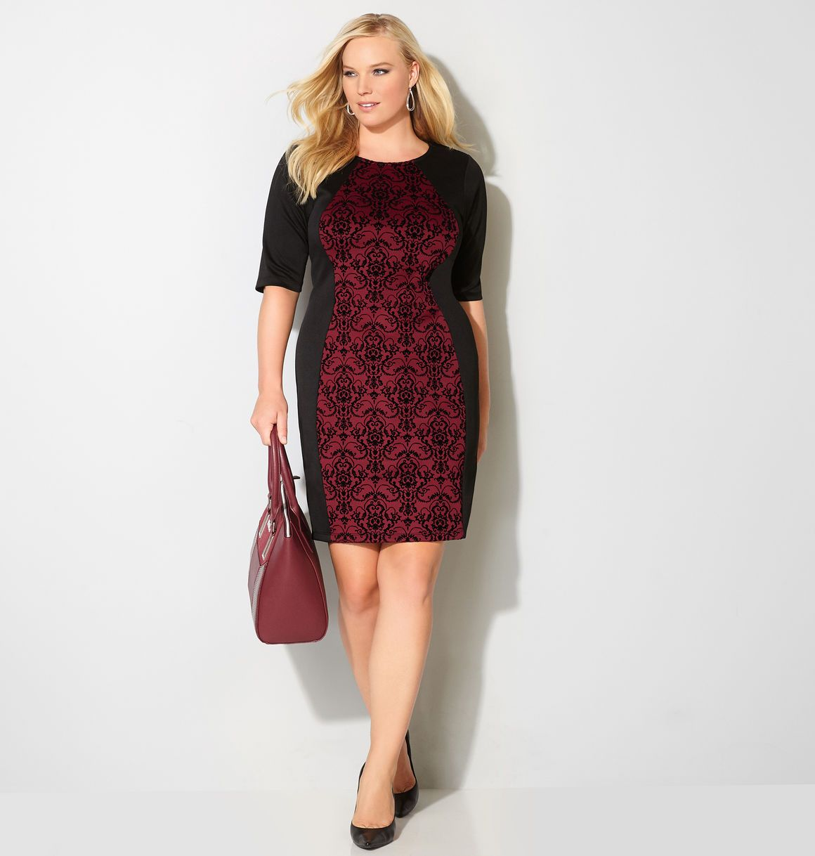 Get A Flattering Dress Shape With The Hourglass Design Of This Plus