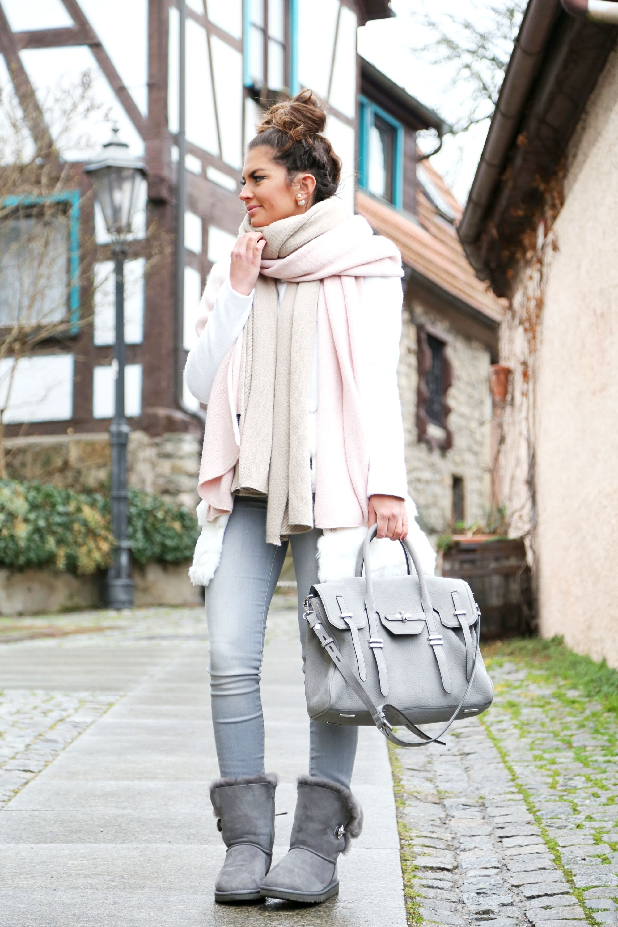Cozy And Warm With Ugg Boots Ugg Boots Outfit Winter
