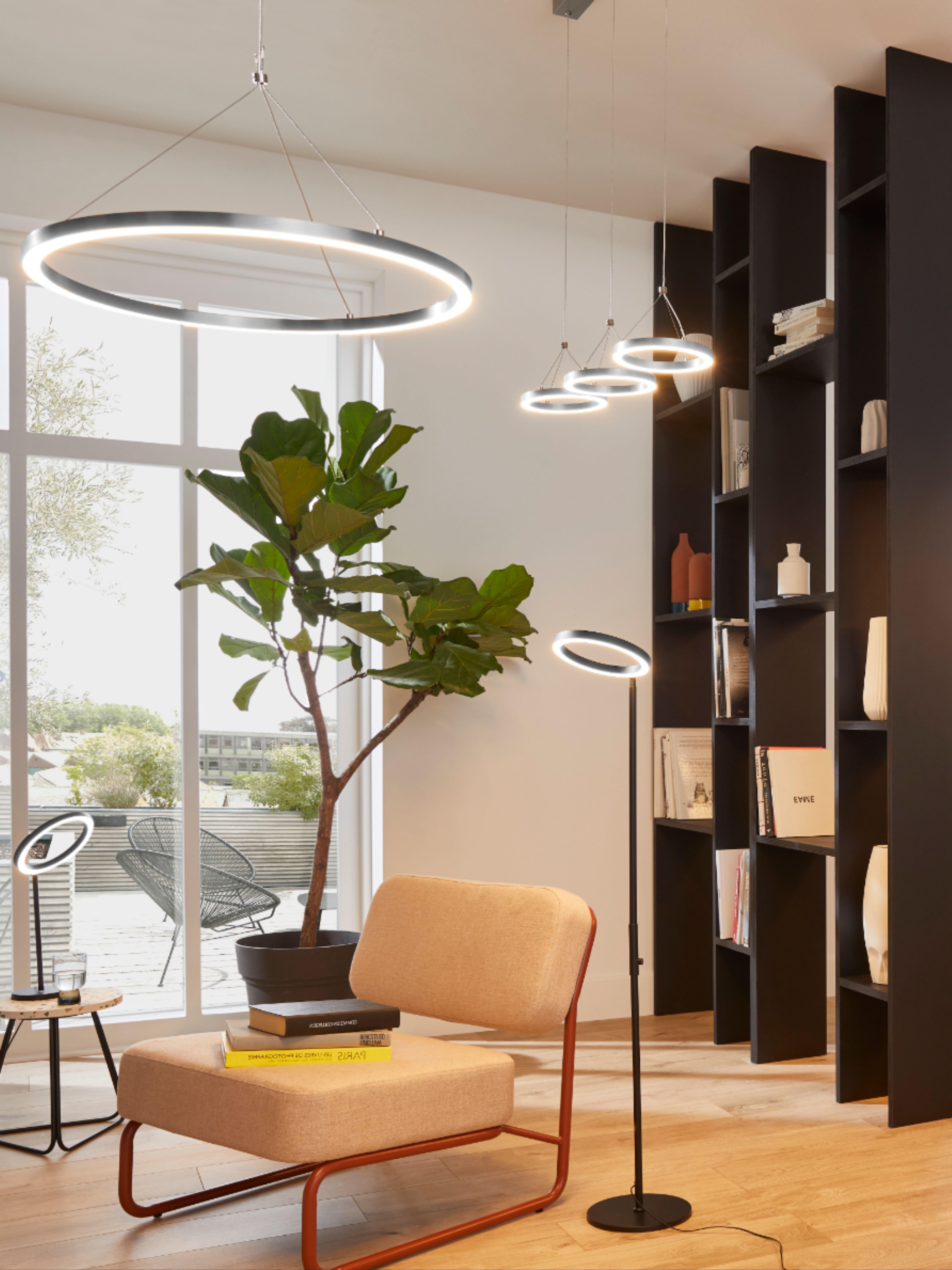 Accordez Vos Luminaires Avec La Suspension Et La Lampe A Poser Assorties Choisissez L Intensite De La Lumiere Selon Vos Besoi Idee Deco Luminaire Tendance Deco
