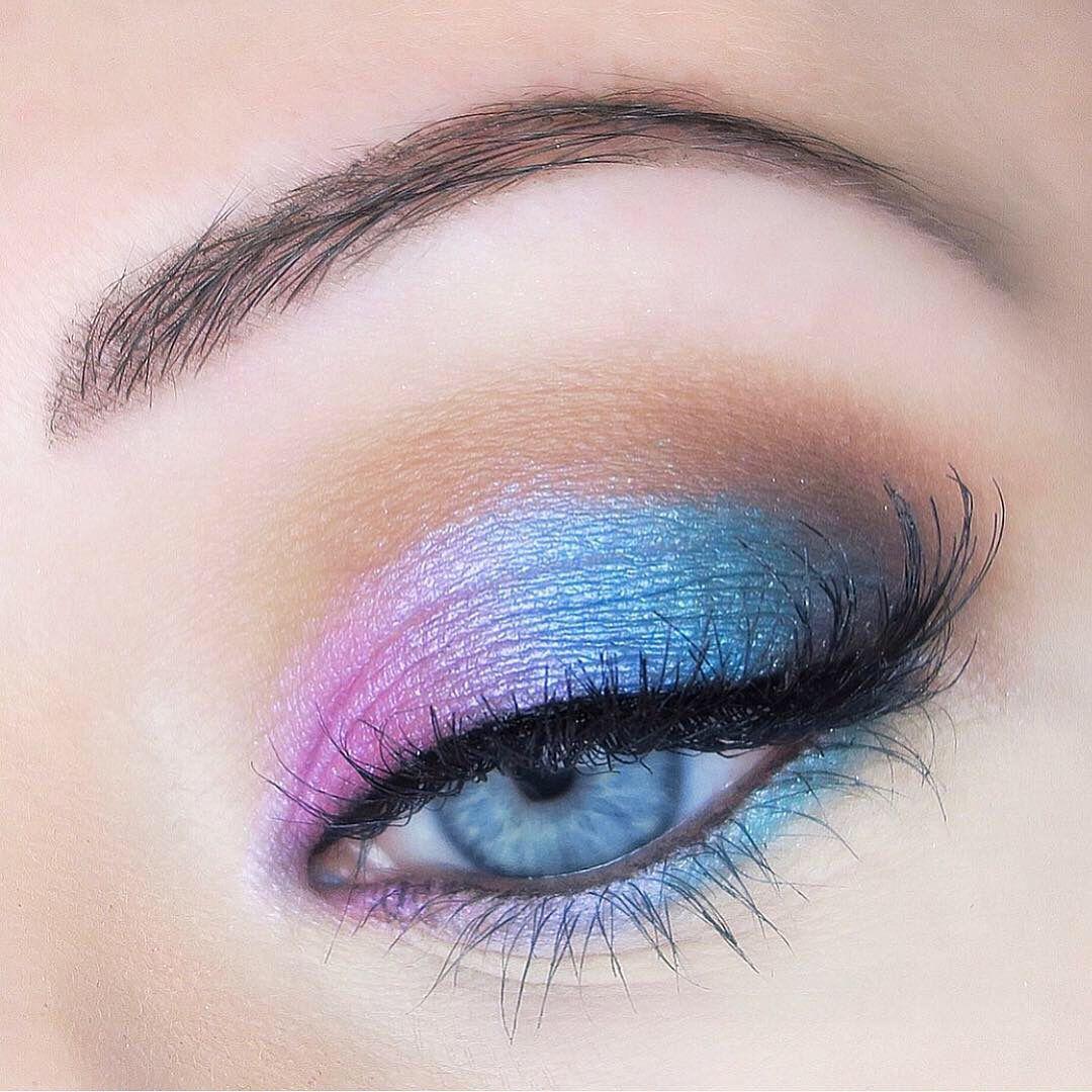 Gradient eye makeup | Colorful eyeshadow, Eyeshadow for blue