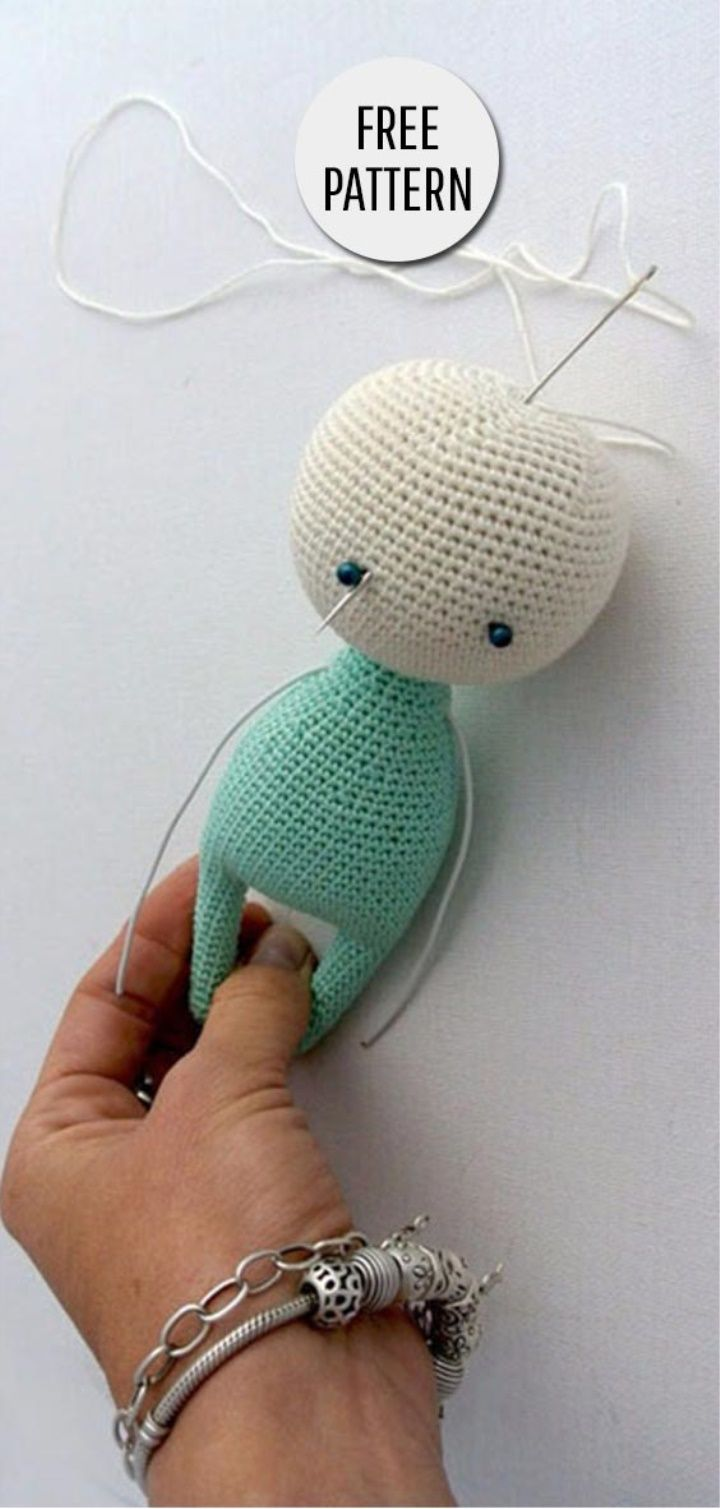 We knit crochet toys amigurumi with our own hands with detailed descriptions and photos