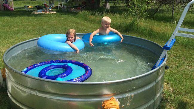 Stay Cool  DIY Stock Tank Pool      The Budget Decorator Diy Home Decor, Diy Cra…