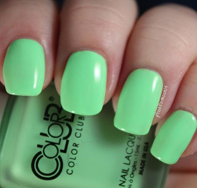 Color Club Tic-Tac-Toe with topcoat from the Pop Chalk collection ...