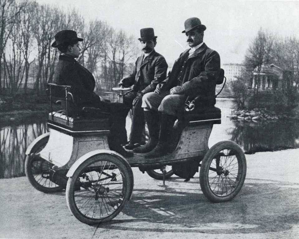 Cars in 1900 (motorized buggy) | Story Inspiration | Pinterest ...