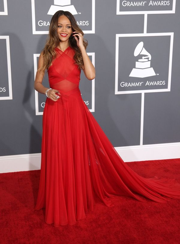 Rihanna at the 2013 Grammys - this may be the 1st time I ...