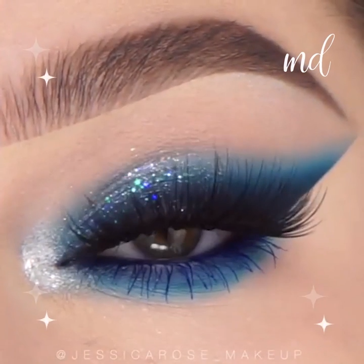 Photo of Sparkly Blue Eye Makeup