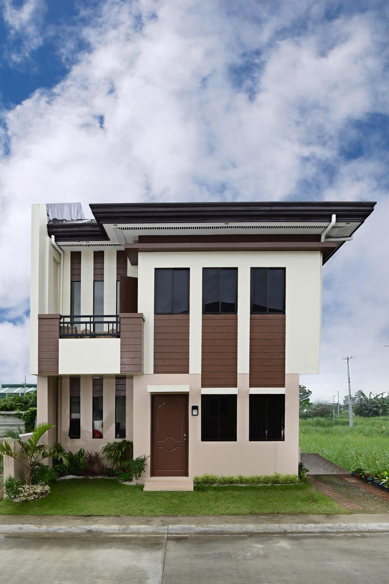 Adrinahappiness single attached 2 storey 4 bedrooms 2 toilet