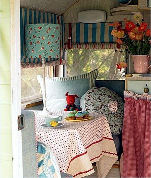 Caravan decoration set the caravan with a retro touch for Roulotte decoration
