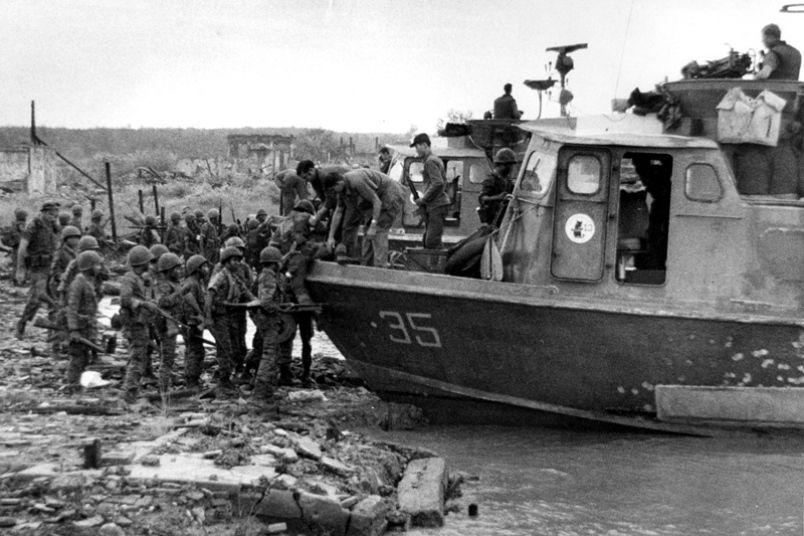 Montagnard troops board US Navy Swift boats for river ops, Vietnam, 1969. | Vietnam war | Pinterest