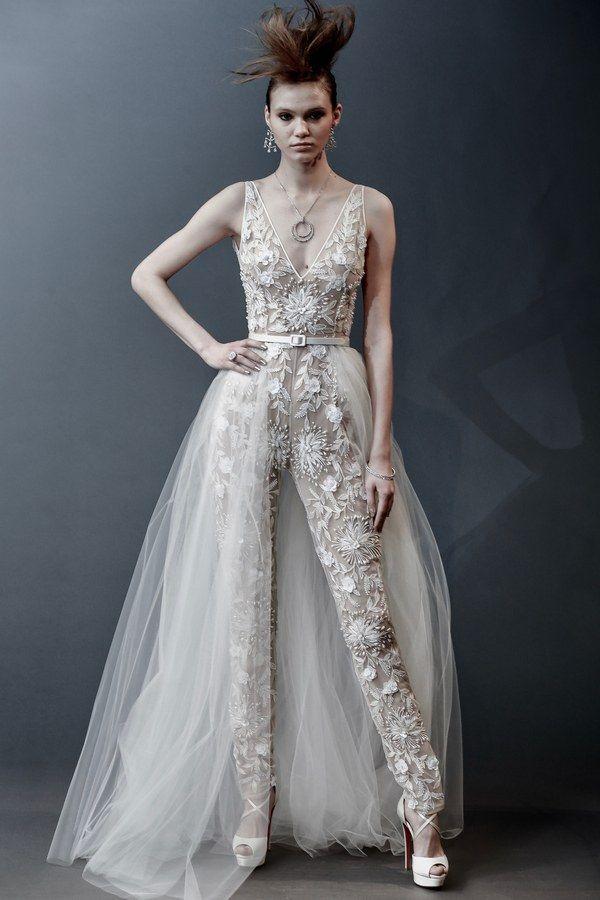 760040e08a19 Abiti da sposa 2019  le tendenze moda dalle bridal week - Vogue.it NAEEM  KHAN. Cerca questo Pin e ...