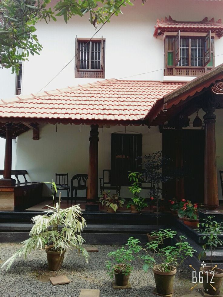 0e95483f922d76d9c9b6e0e57c449e74 Jpg 736 981 Kerala House Design Village House Design Kerala Traditional House