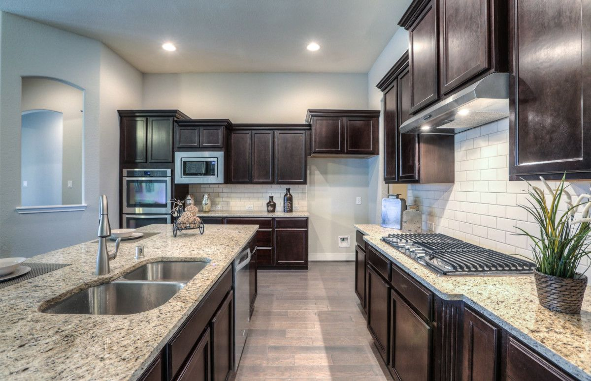 Pin By Ana Gonzalez On Pulte Kitchen Cabinets Pulte Home Decor