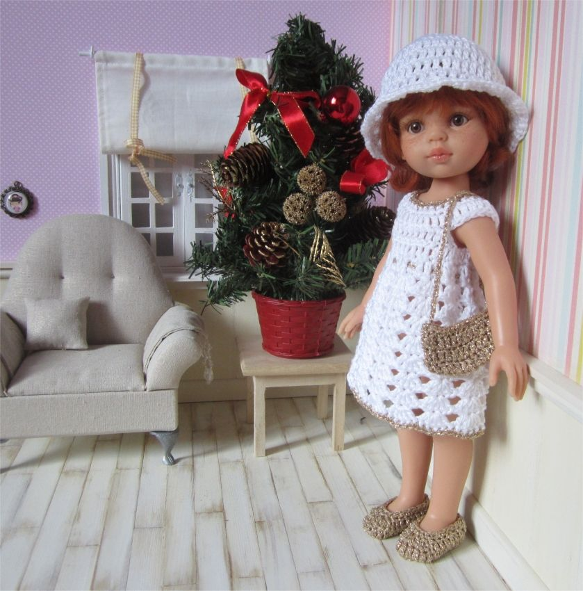 Pour ce 5 eme jour du calendrier de l'Avent, je vous propose un modèle gratuit de tenue de fête pour les Paola Reina ou les Chéries ...