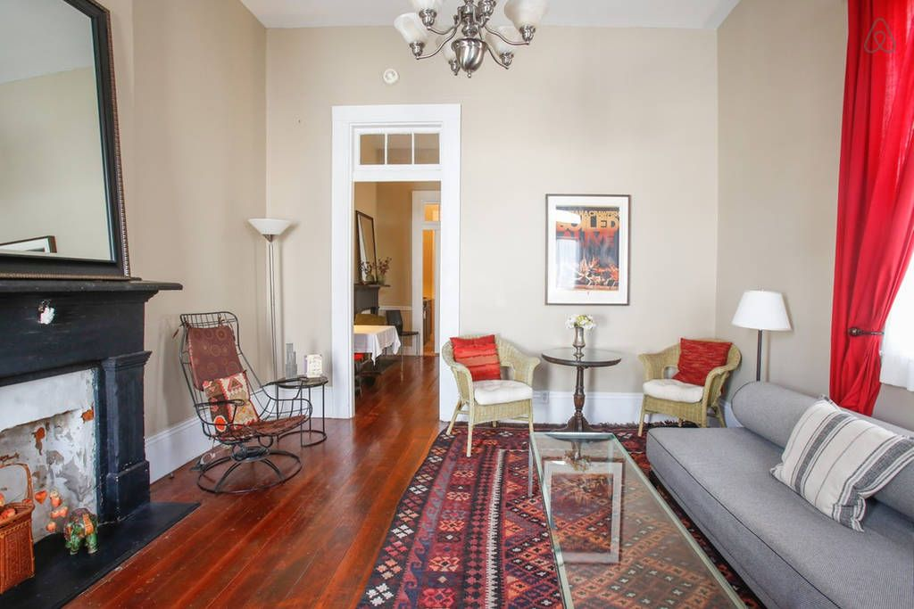 Maison Marais 1: Large Local Living - Get $25 credit with Airbnb if you sign up with this link http://www.airbnb.com/c/groberts22