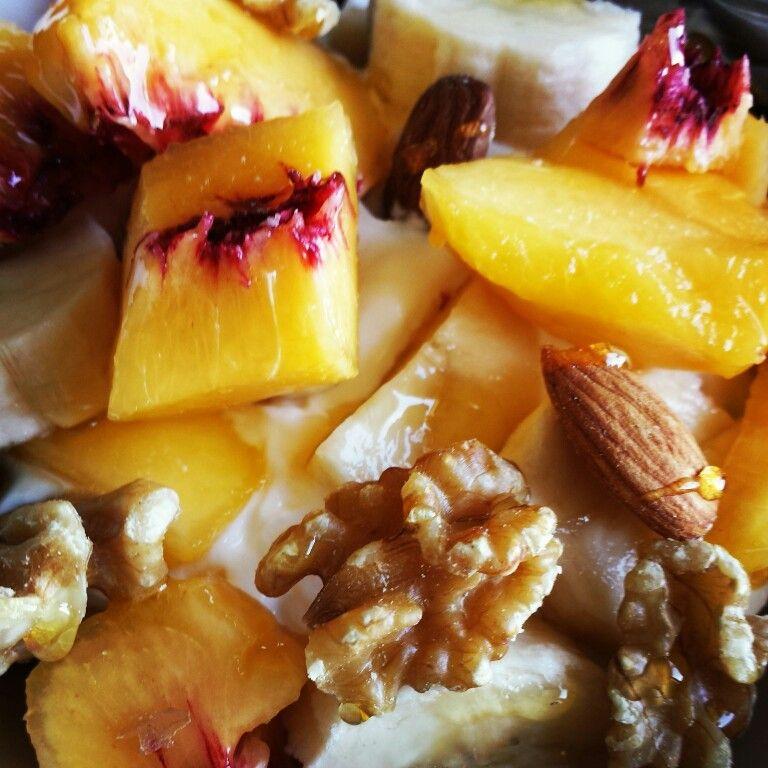 Griekse yoghurt met noten en fruit