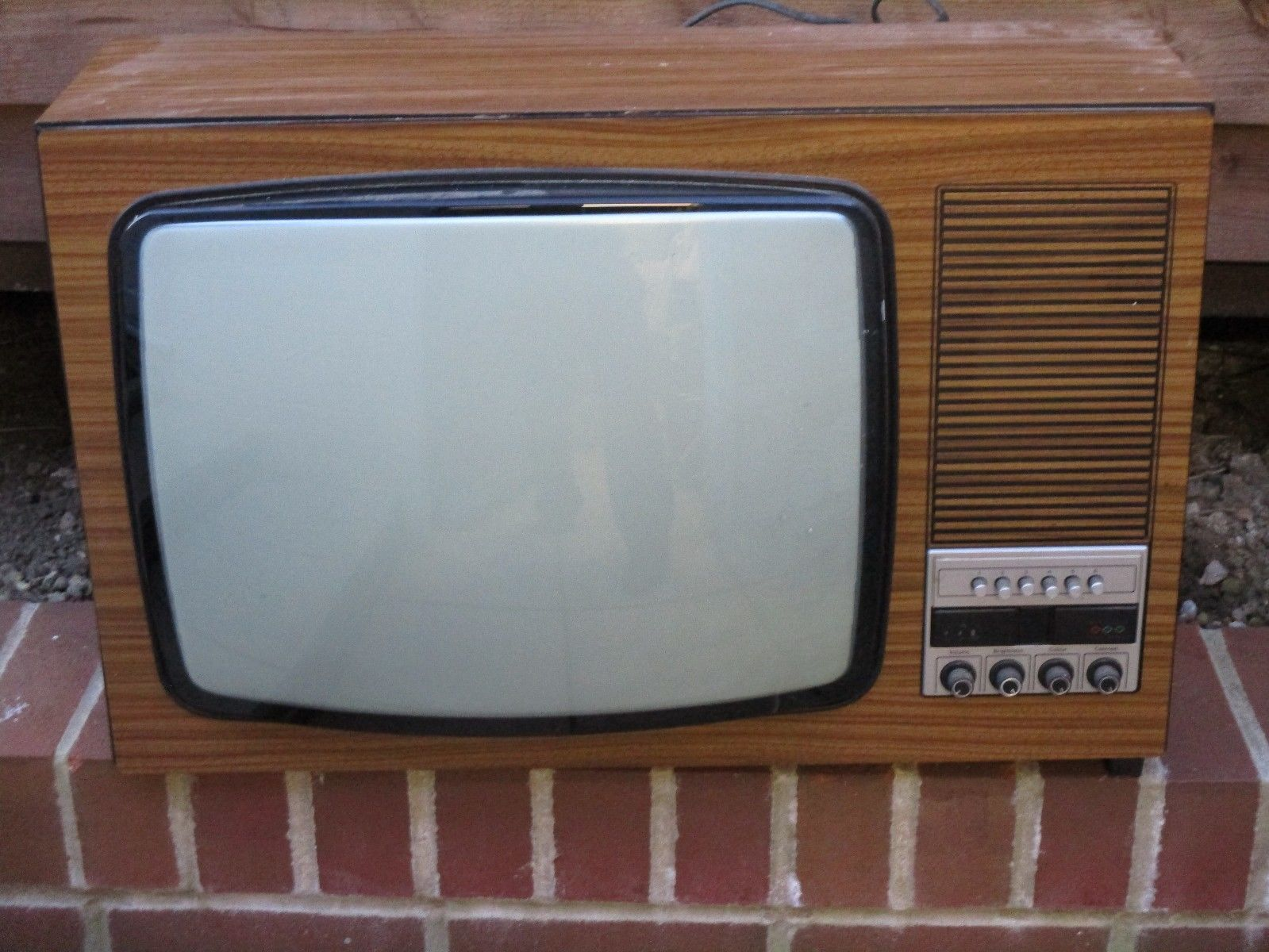 Vintage Itt Colour Tv Set Vintage Tv Vintage Radio Television Set