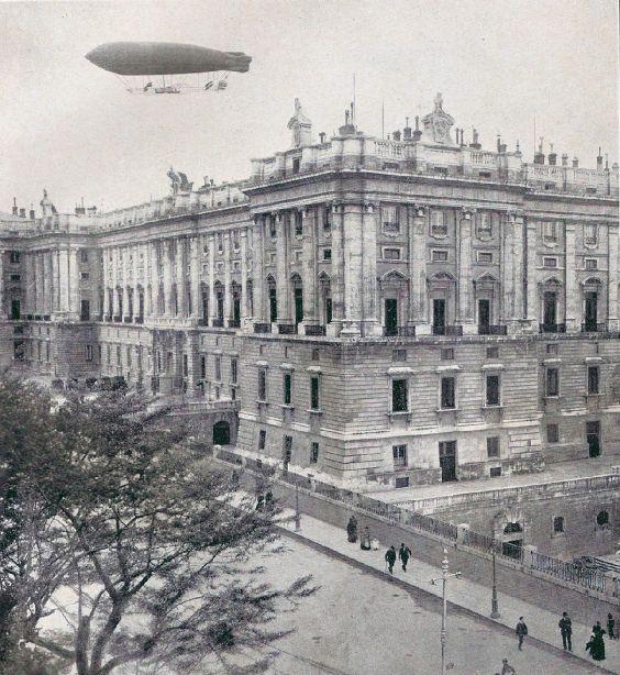 5 De Mayo De 1910 El Dirigible España Sobrevuela Madrid Madrid España Madrid Travel Madrid Spain