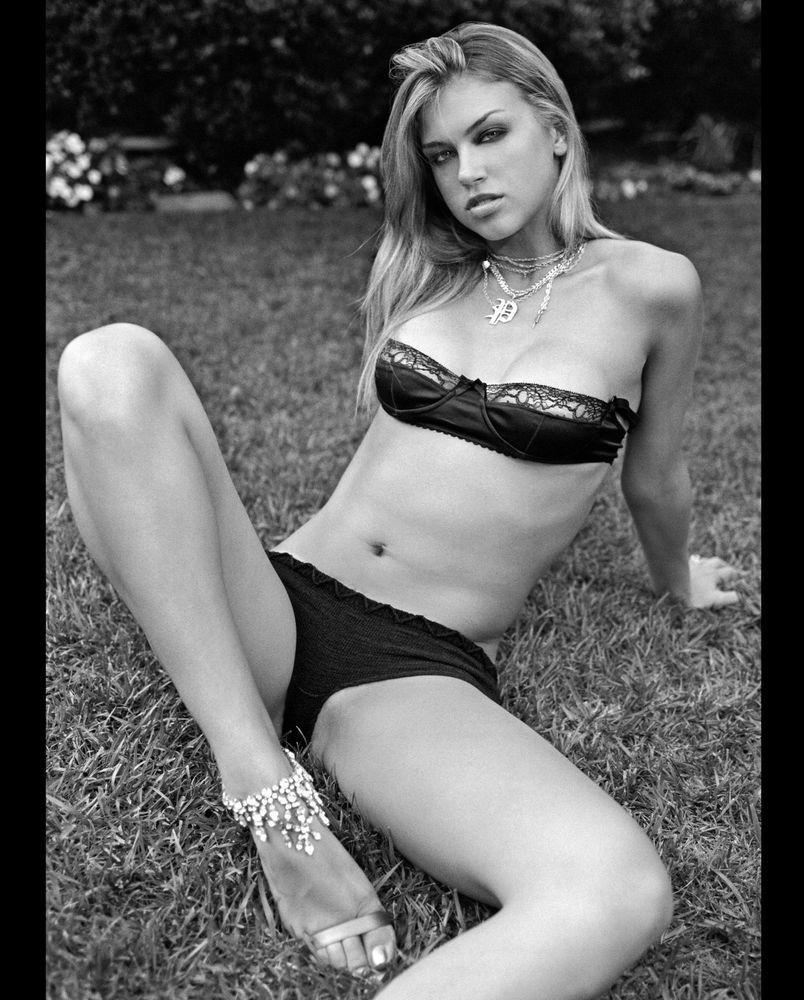 Paparazzi Sexy Adrianne Palicki naked photo 2017