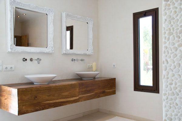 Reforma ba o lavabos sobre mueble madera de pared grifos for Espejos para banos con marco de madera