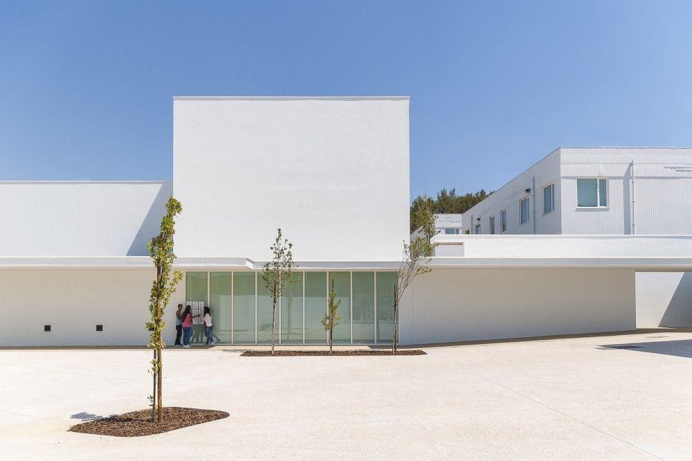 Lima de Freitas School Renovation / Ricardo Carvalho + Joana Vilhena Arquitectos