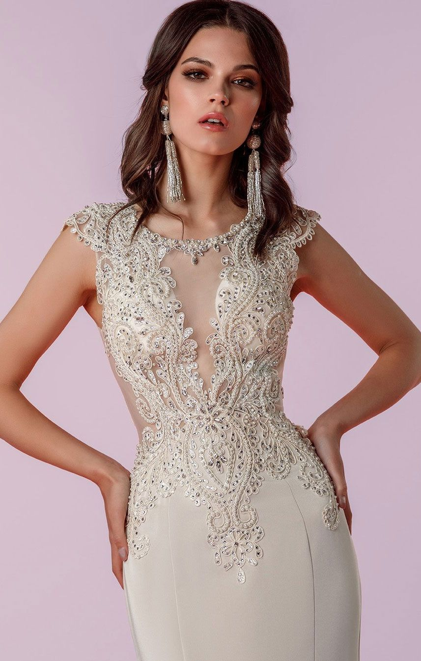 Wedding dress with gorgeous details that absolutely breathtaking
