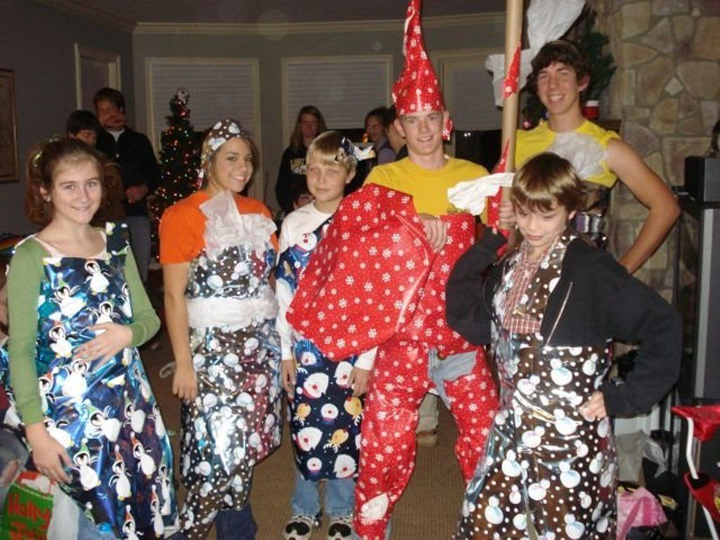 Dress up xmas party - Youth Group Christmas Party Wrapping Paper Dresses