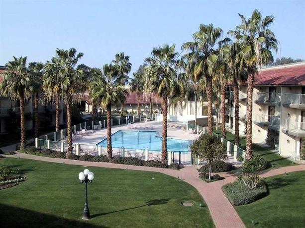 Hotel Deal Checker Doubletree By Hilton Bakersfield
