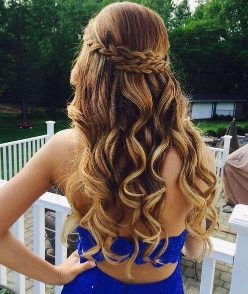 Peinados sueltos con trenzas y ondas