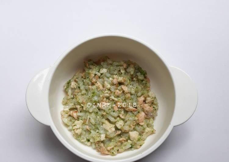 Resep Nasi Tim Salmon Brokoli Tahu Mpasi 8 Bulan Oleh Rusydina Sabila Resep Brokoli Resep Makanan Salmon