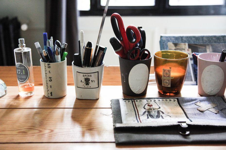 Touch this image sur le bureau jean prouvé bougie recyclée