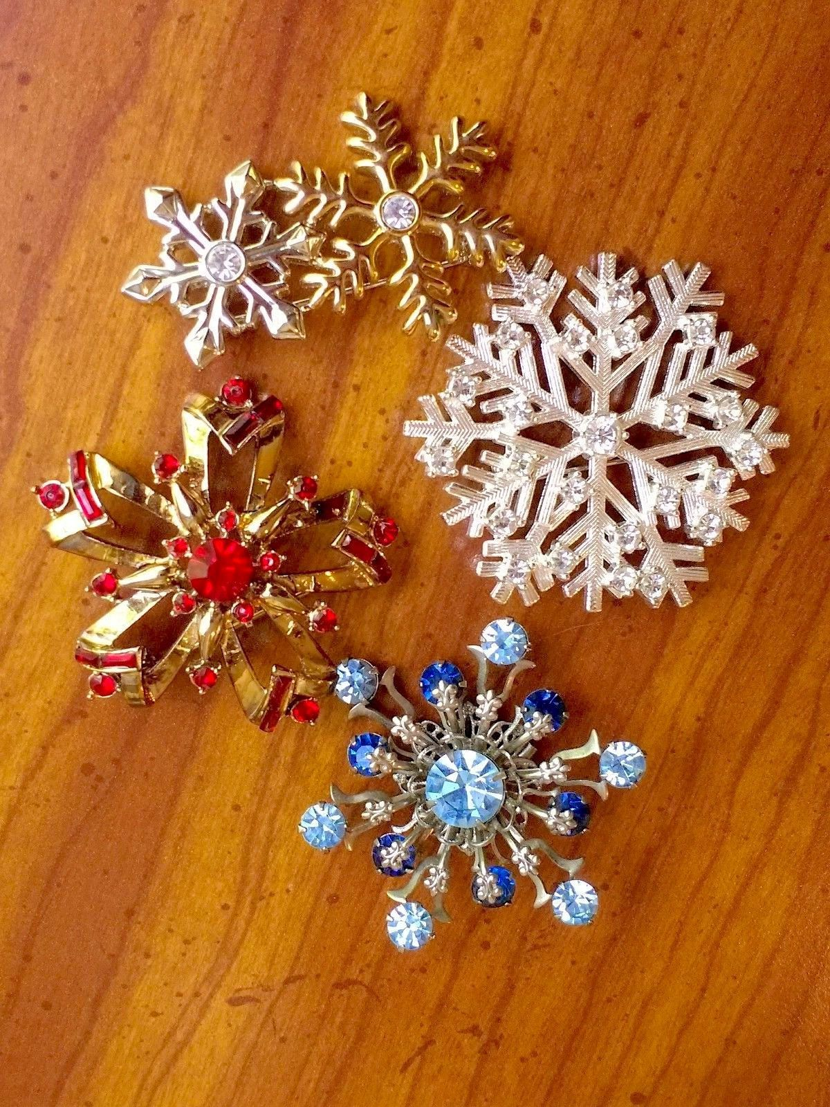 598580e178d Stunning Vintage Lot Of SNOWFLAKE STARBURST Pins Brooches Holiday Seasonal  Estate Women's Costume Jewelry by VintagePolice4U on Etsy