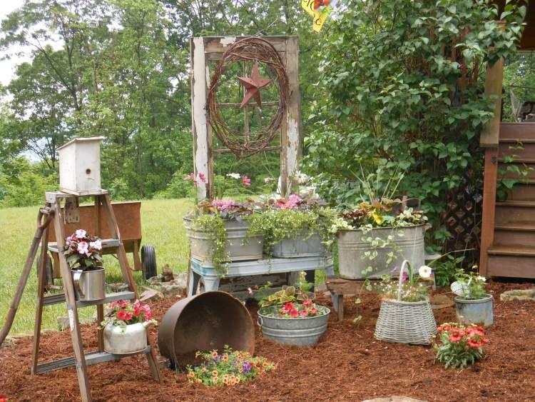 Zinnwannen, Eimer, Teekannen Und Körbe Als Pflanzkübel ... Pflanzgefase Im Garten Ideen Gestaltung
