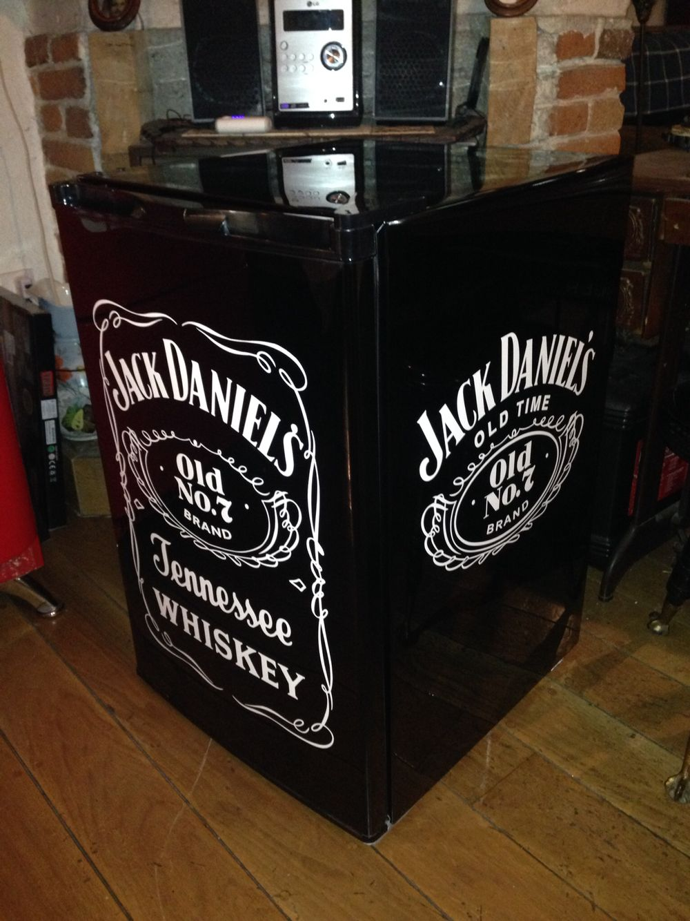 Frigobar Jack Daniels Venta y restauración | Intriguing Furniture ...