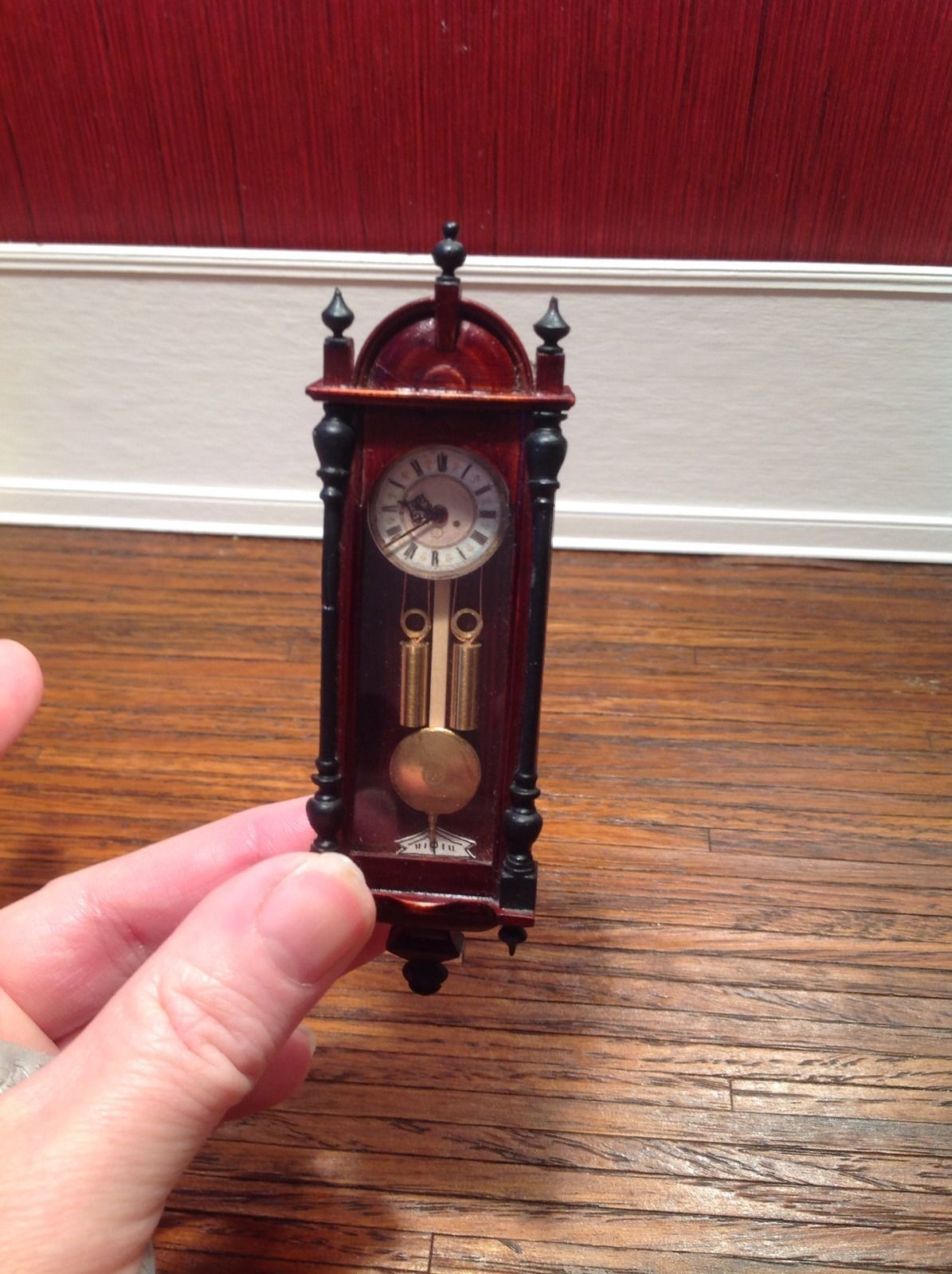 Dollhouse Miniature Vintage Domed Gold Mantle Clock 1:12 Scale Non-workingH BG